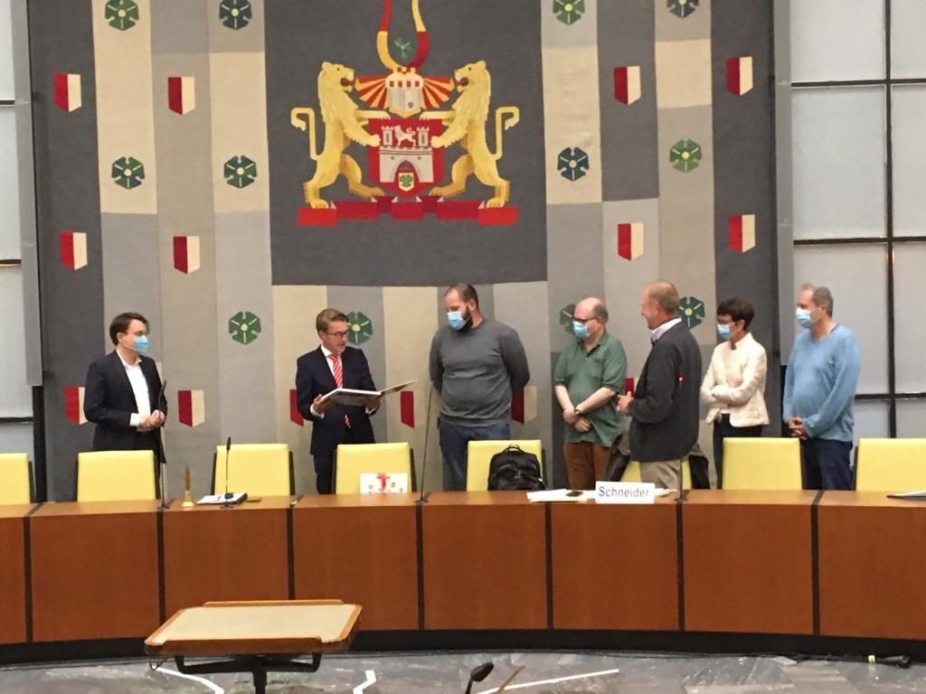 Abschied der Fraktionsvorsitzenden von Henning Hofmann als Bezirksbürgermeister