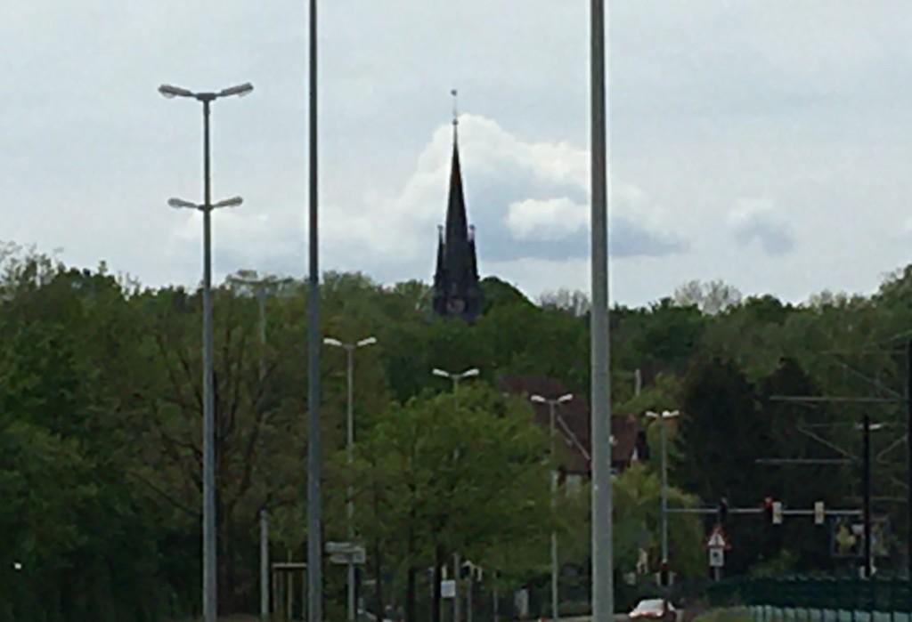 Blick vom S-Bahnhof Karl-Wiechert-Allee zum Stephansstift