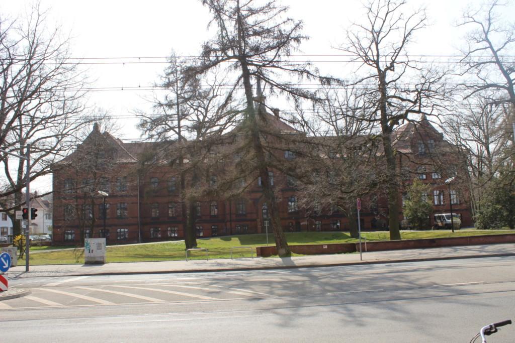 Straßenansicht der Alice-Salomon-Schule