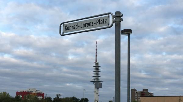Straßenschild des Konrad-Lorenz-Platzes